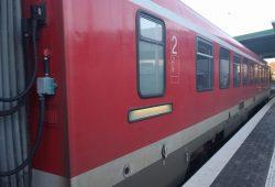 Die Regionalbahn Kassel - Hagen in Meschede.