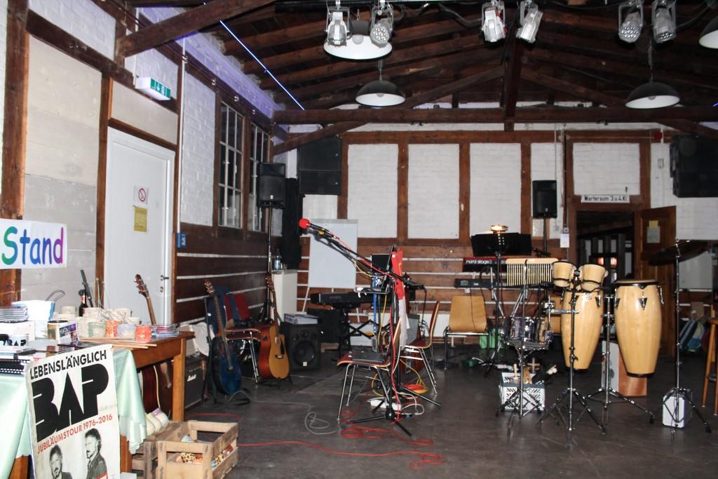 Session in der alten Gepäckhalle.