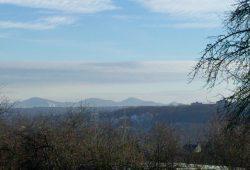 Das Siebengebirge von der Oedekovener Heide aus gesehen.