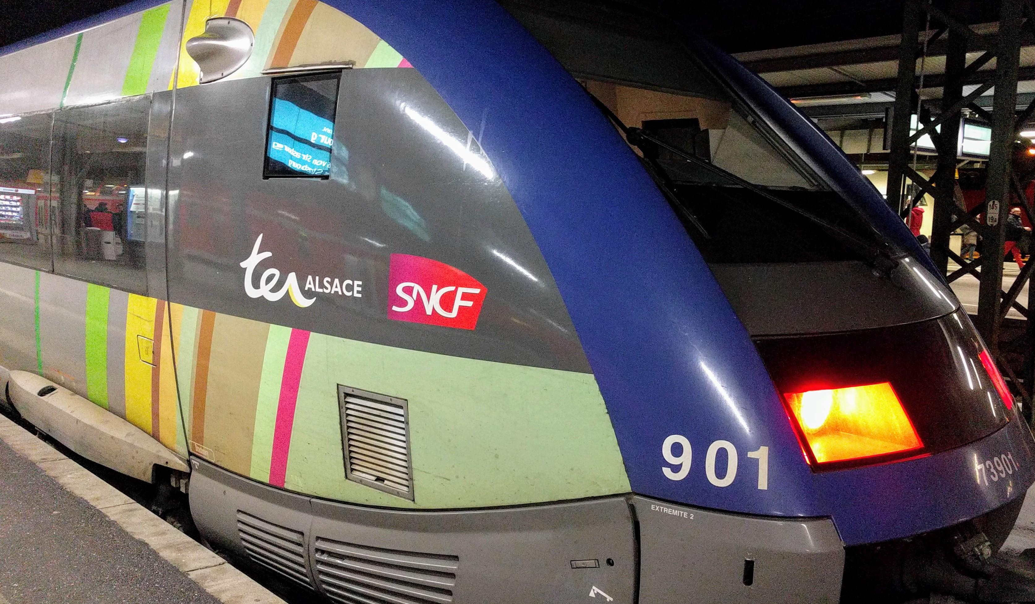 Der Regionalzug von Offenburg nach Straßburg.