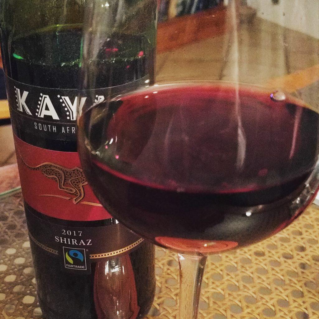 Das Kasteel Bloemendal ist eine Erfahrung wert. Kalbssteak und Rotwein waren lecker. Deswegen jetzt zu Hause auch noch ein Gläschen auf die Referentin und auf Uschi.