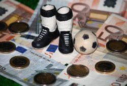 Saisonspende: Fußball und Geld