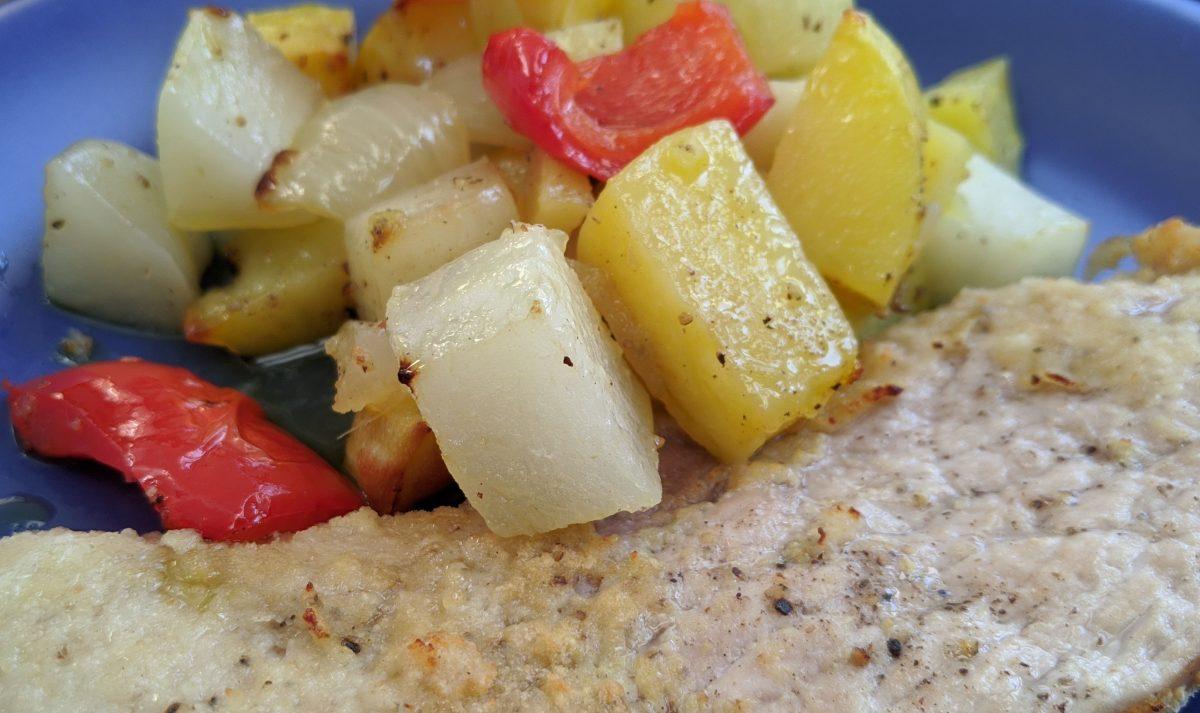 Schnitzel mit Kartoffel-Kohlrabi-Paprika-Gemüse | Foto: Ralf Simon